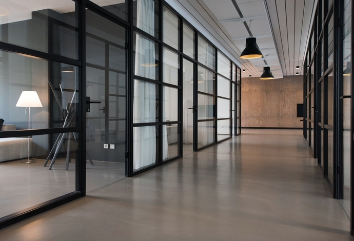 Common areas, corridors, hallways cleaning services